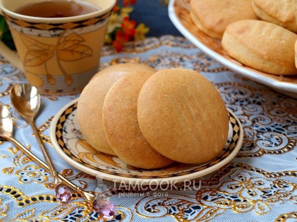 Но известный классический вариант можно разнообразить, добавить к нему ингредиенты по вкусу: мед овсяное печенье на молоке на скорую руку.